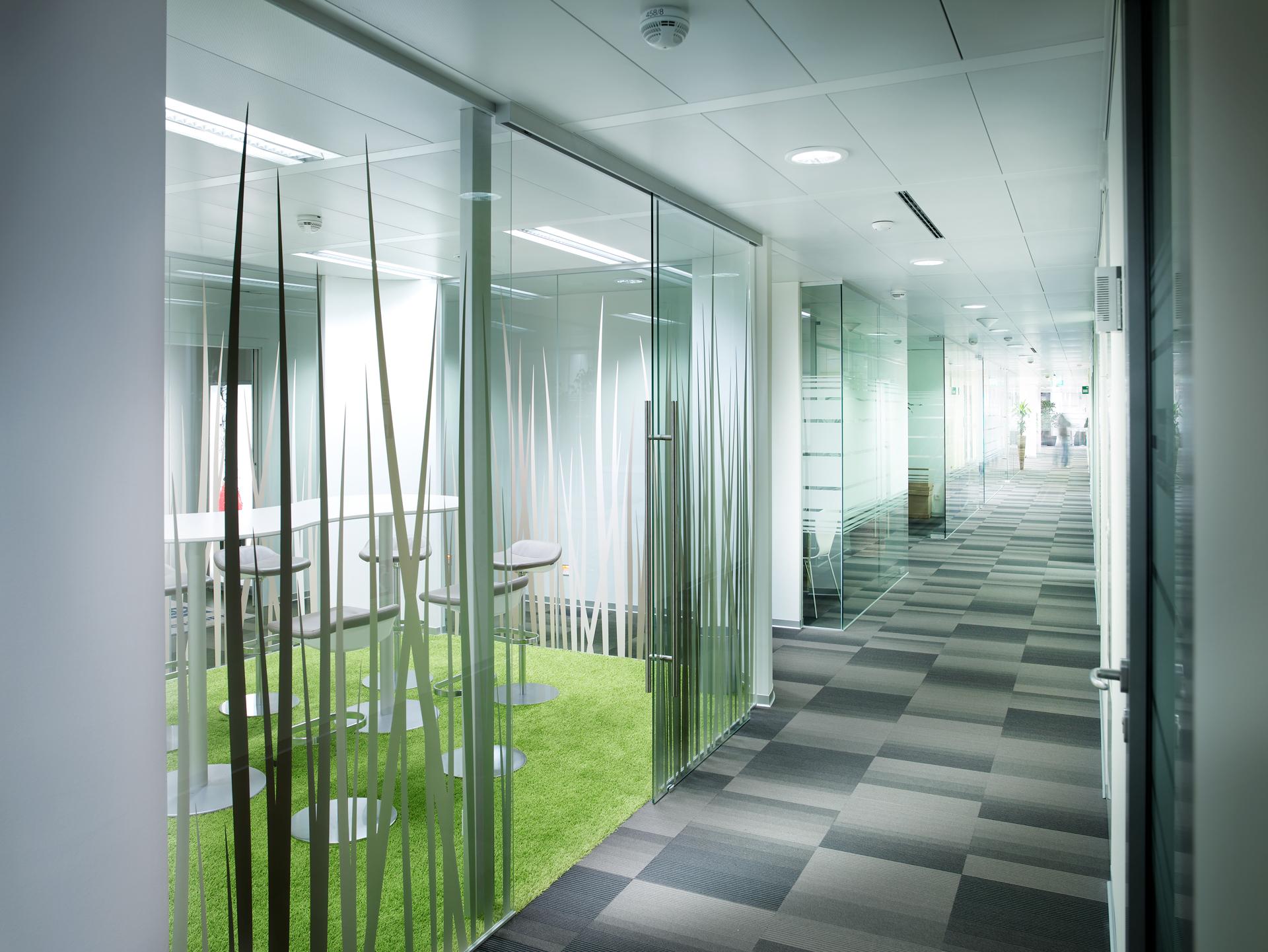 Gang im Büro Nycomed Pharma, designed von Studio Thörnblom
