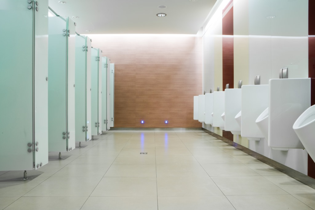Innenbereich der Toiletten im Polus City Center