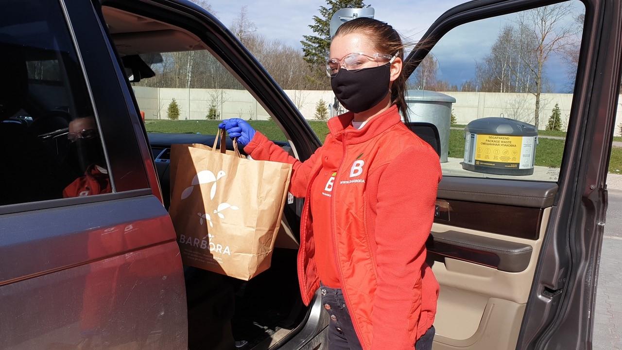 Barbora pakub drive-in kaasaostu vaid 30-minutilise tellimisajaga
