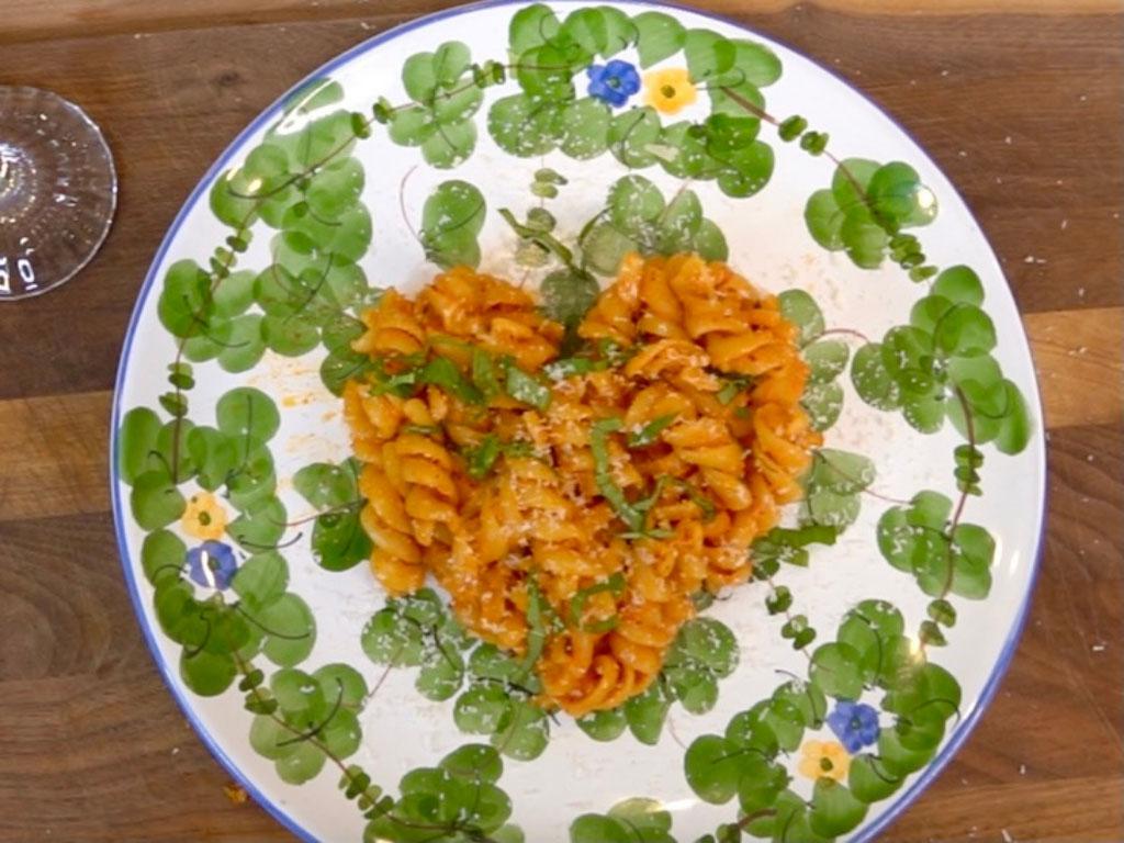 EASY & SPICY Fusilli Pasta Recipe (Inspired by Jon & Vinny's)
