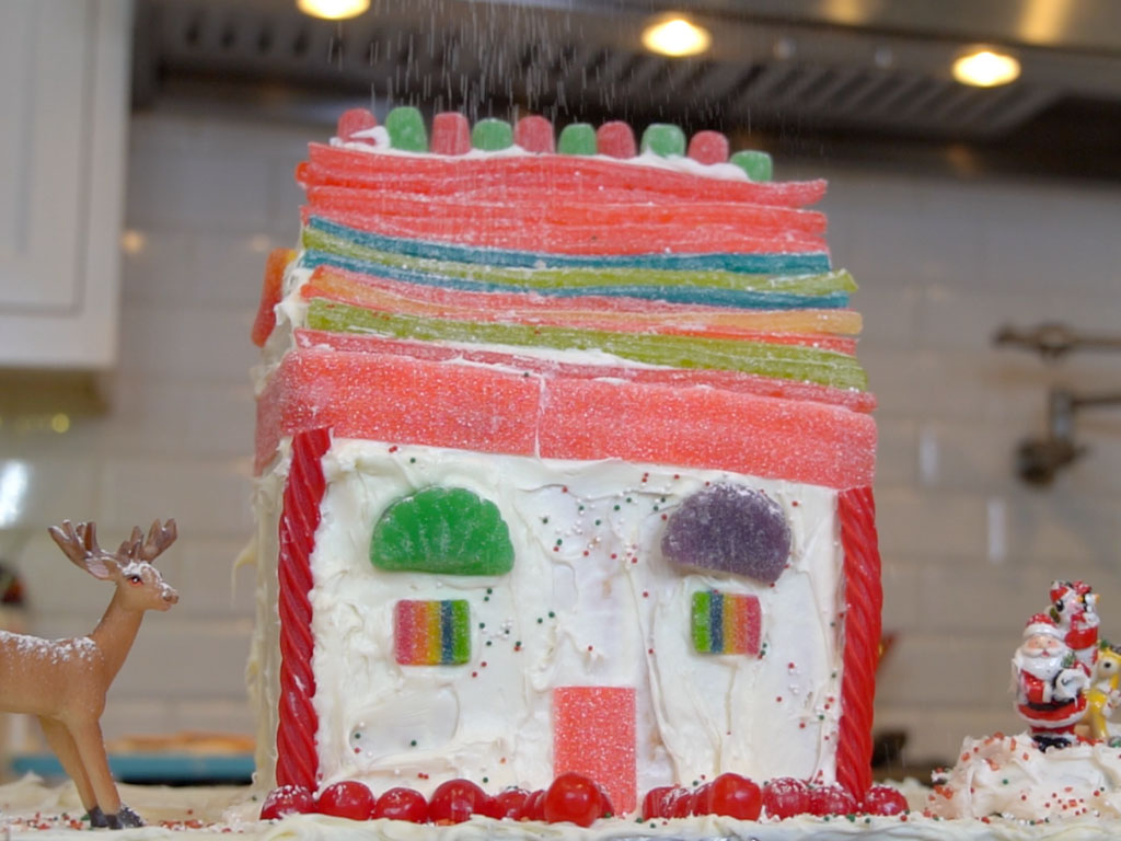 How To Build A Classic GINGERBREAD House! (+ Bonus Cocktail Recipe)