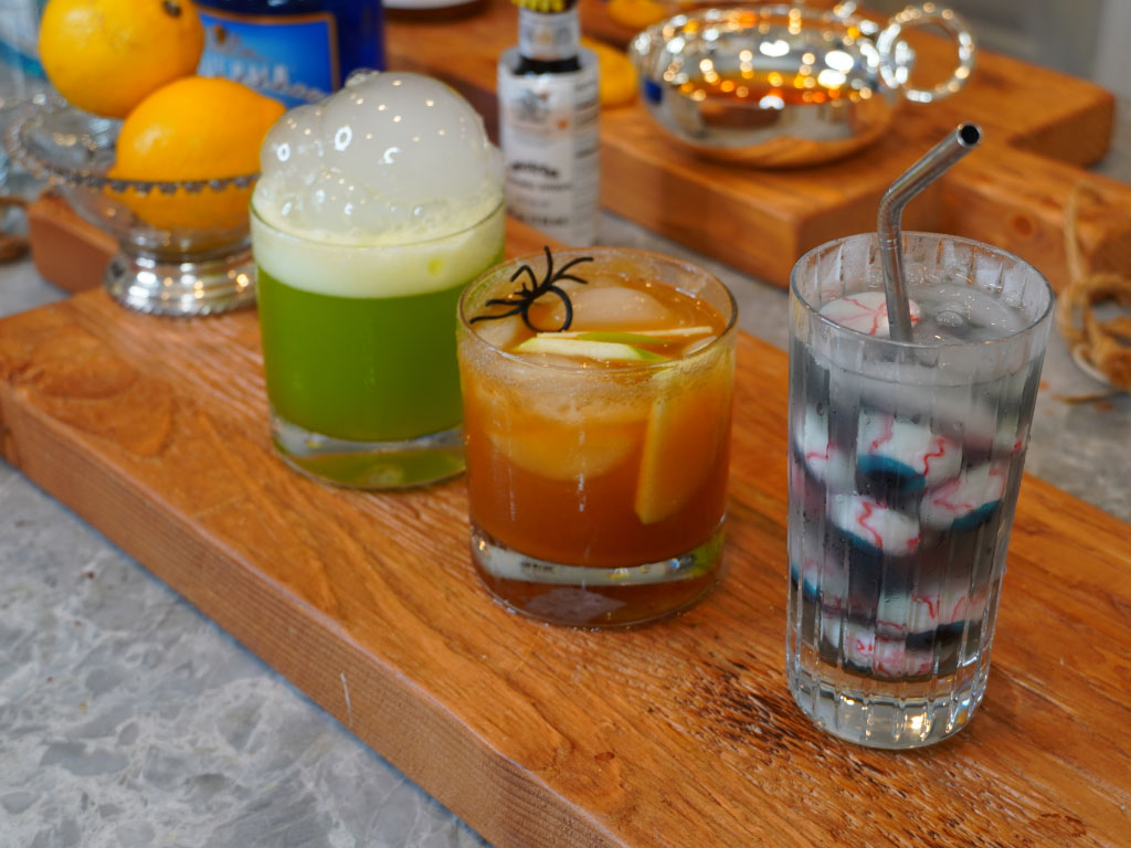 Spooky & EASY Cocktails for Your Halloween Party