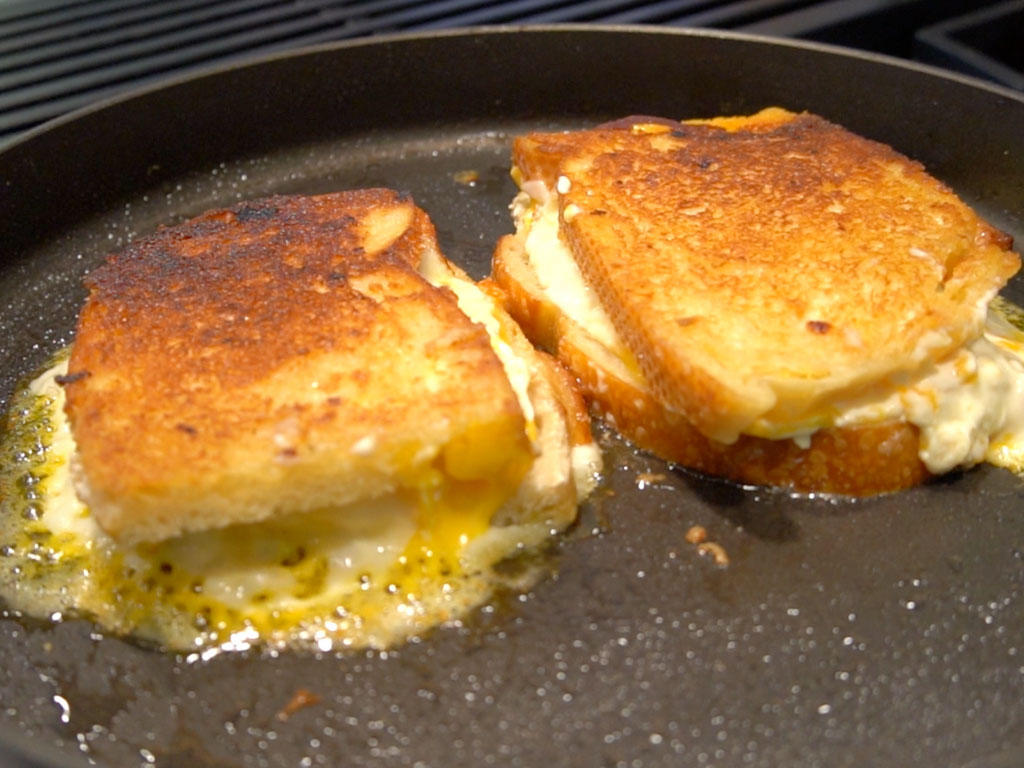 Homemade Disneyland Grilled Cheese Sandwich! (DELICIOUS!)