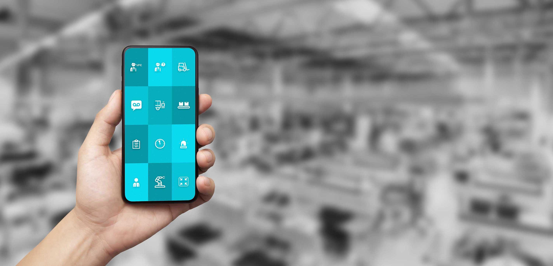 """Smartphone mit ReAct """"Call to action"""" App für den industriellen Einsatz"""