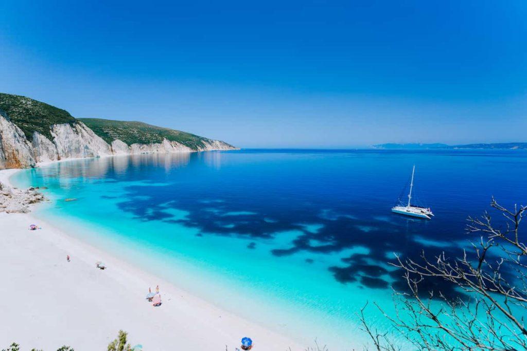 vacanze-in-catamarano-alle-isoleeolie
