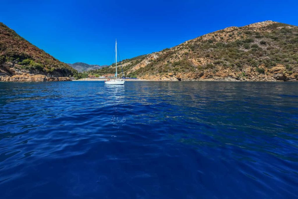 Isole-pontine-in-barca-avela