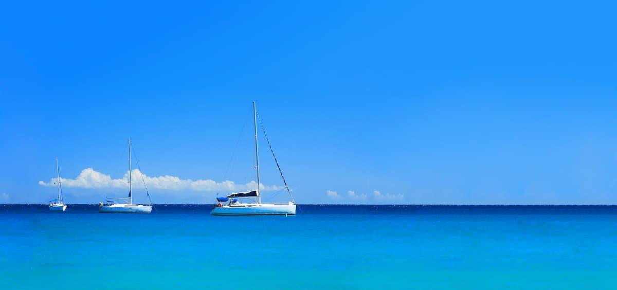 Costiera-del-cilento-in-catamarano