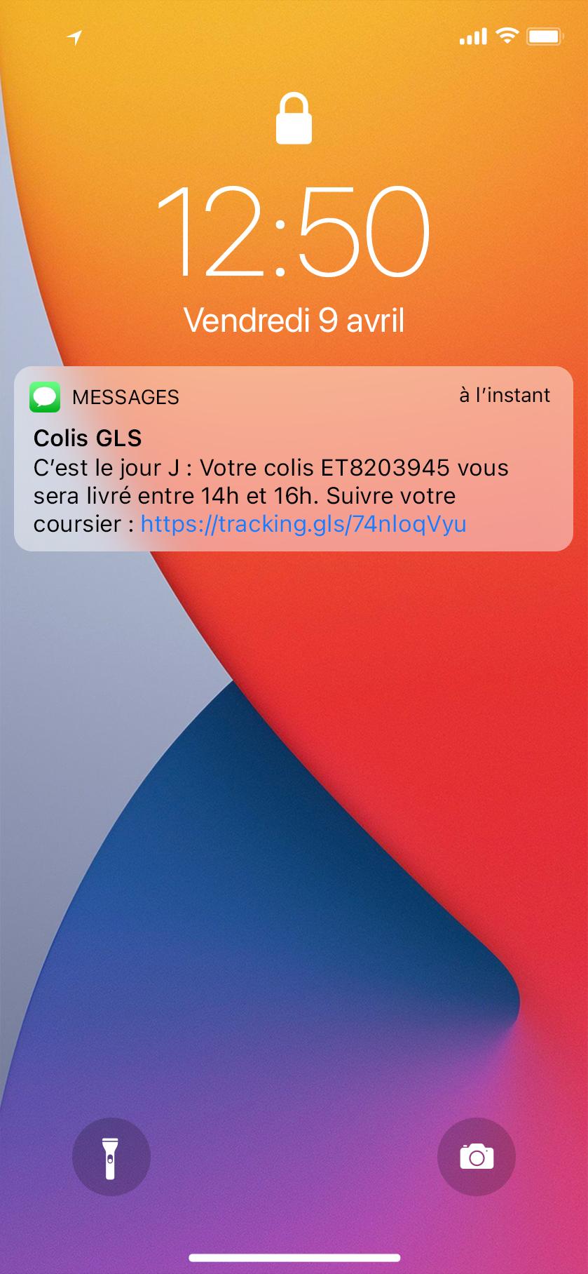 notification de mise en livraison avec lien de suivi sur écran verrouillé