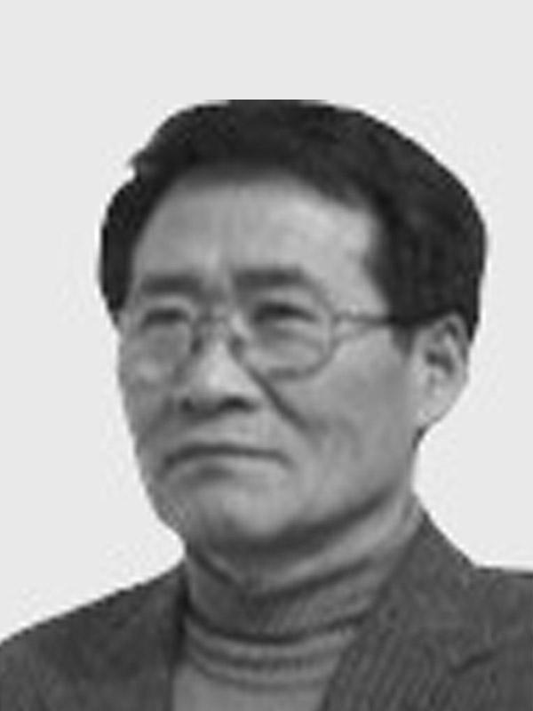 Chong Gil. Lee