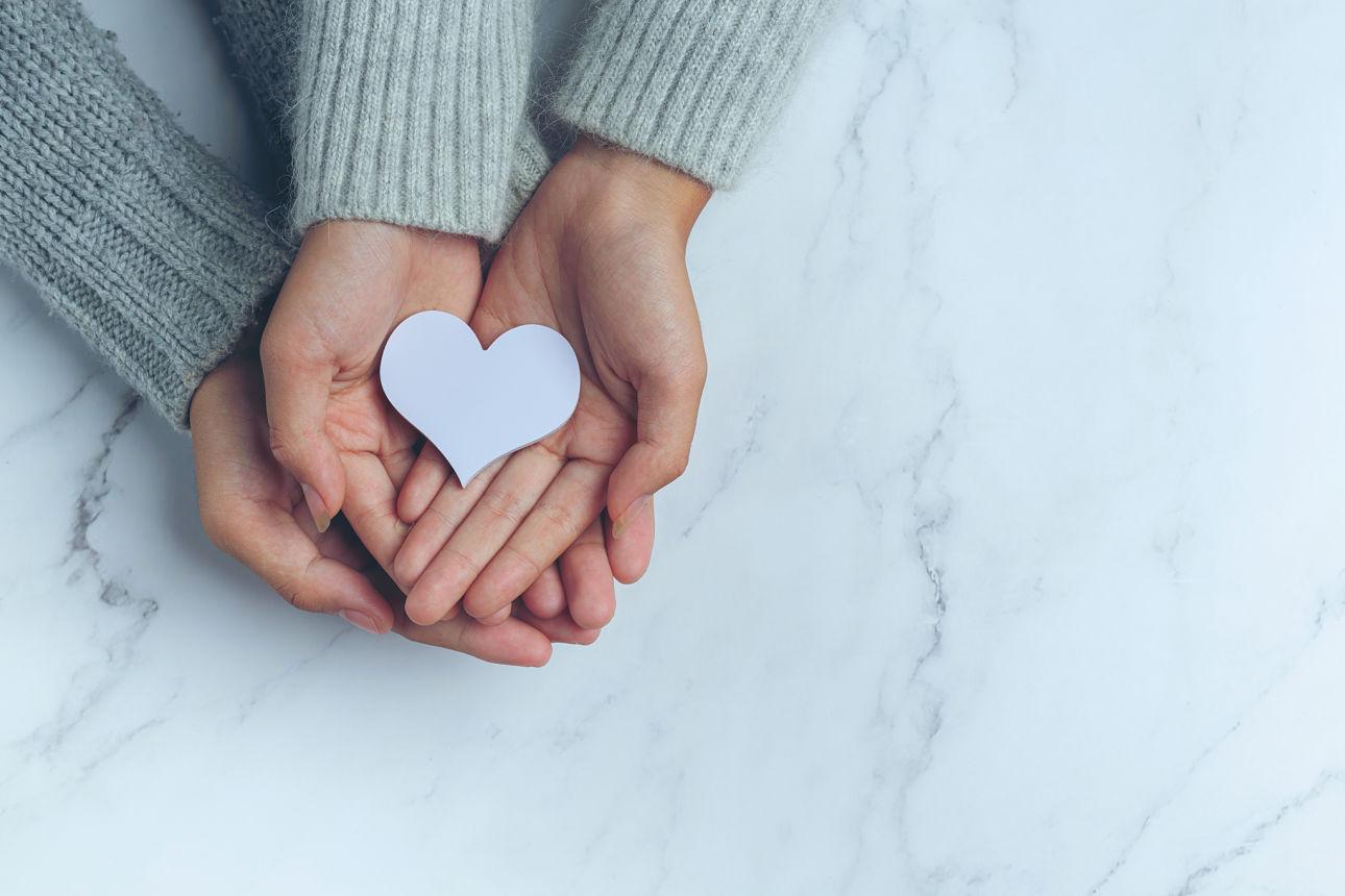 Main avec coeur