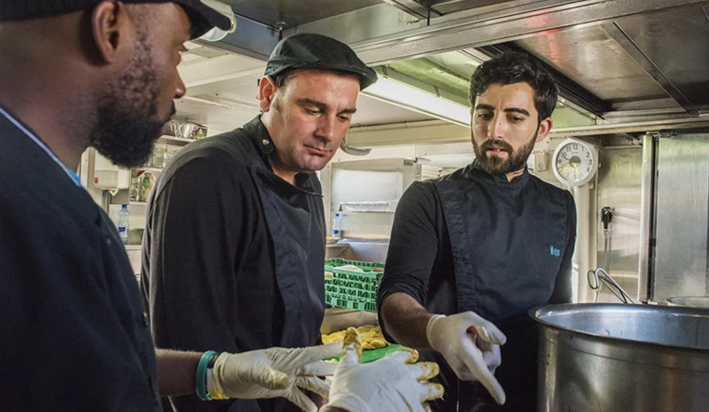 Les entreprises continuent de se mobiliser pour les réfugiés