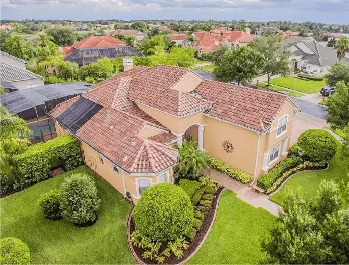 Aerial shot of Florida home