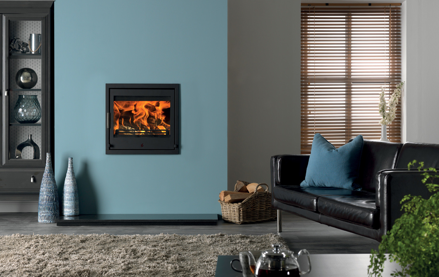 The Tenbury T550 firebox is a wall-flush contemporary solution and DEFRA-approved
