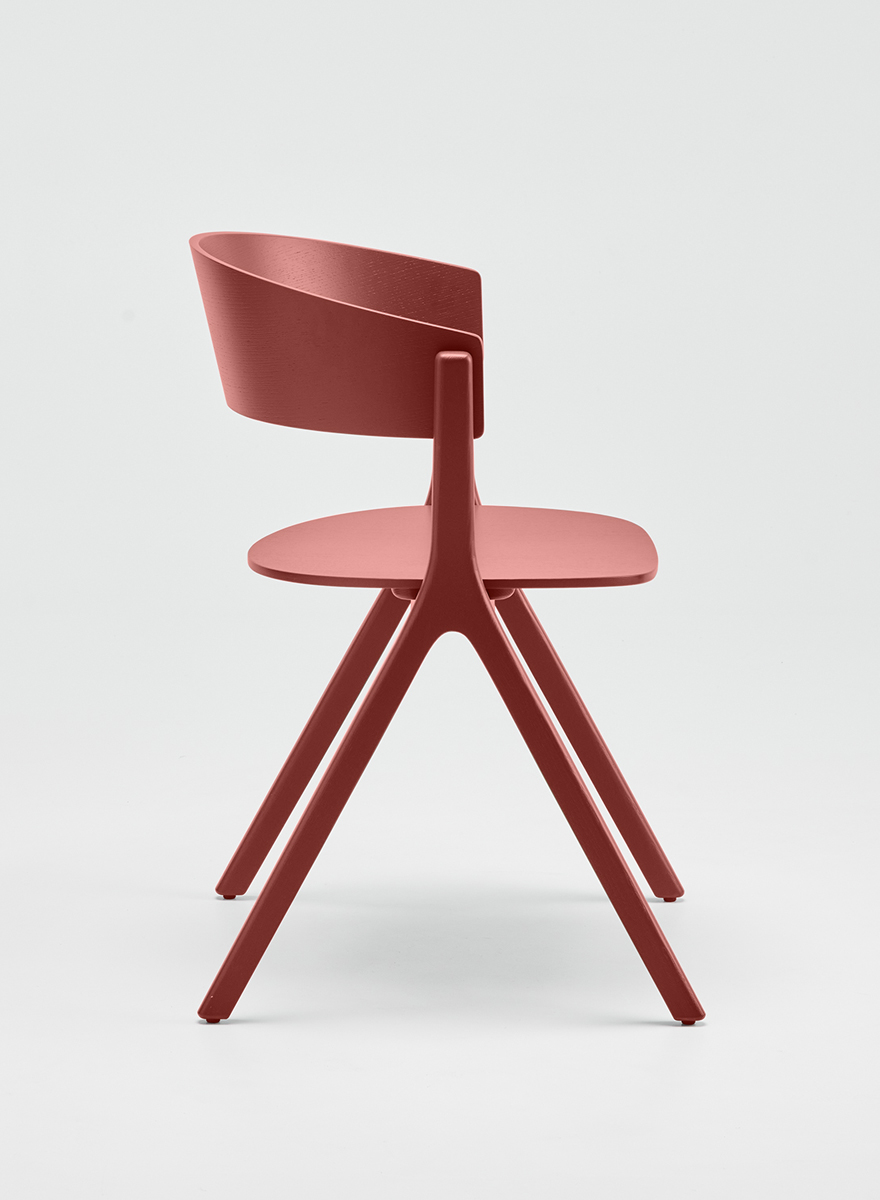 EDITS Circus wood chair in Japan Red