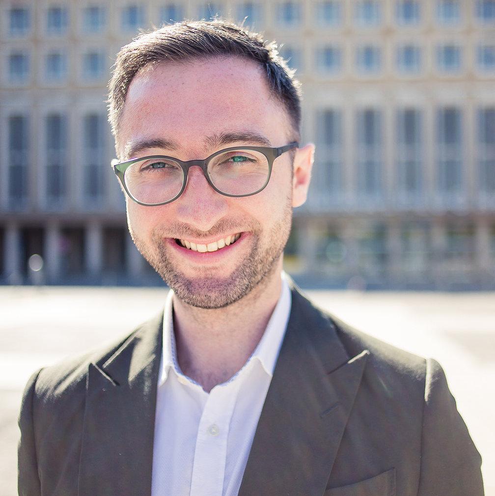 Andrew Dickinson