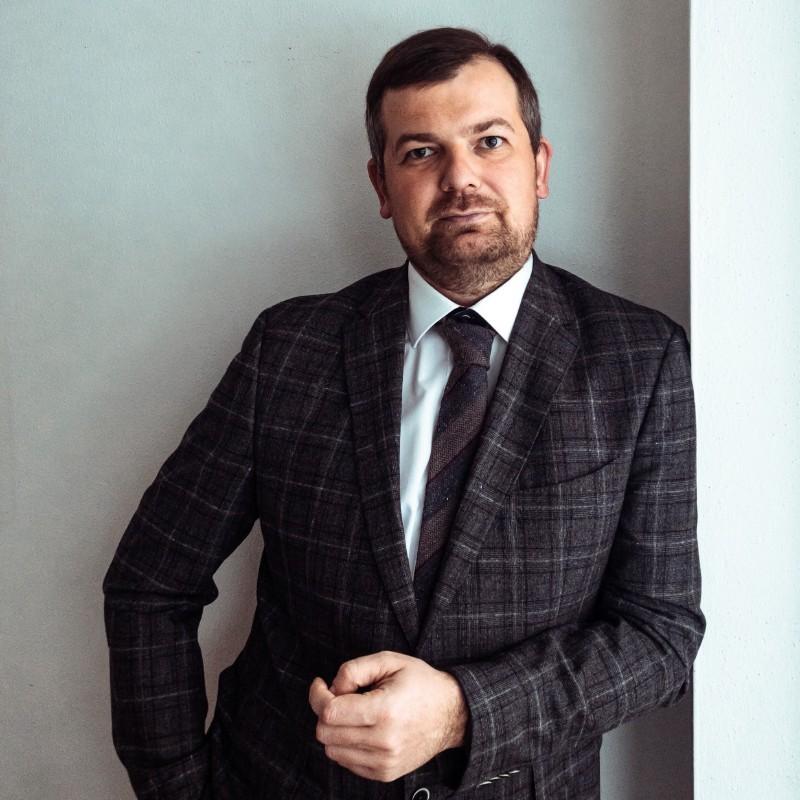 Dr. Alexey Minin