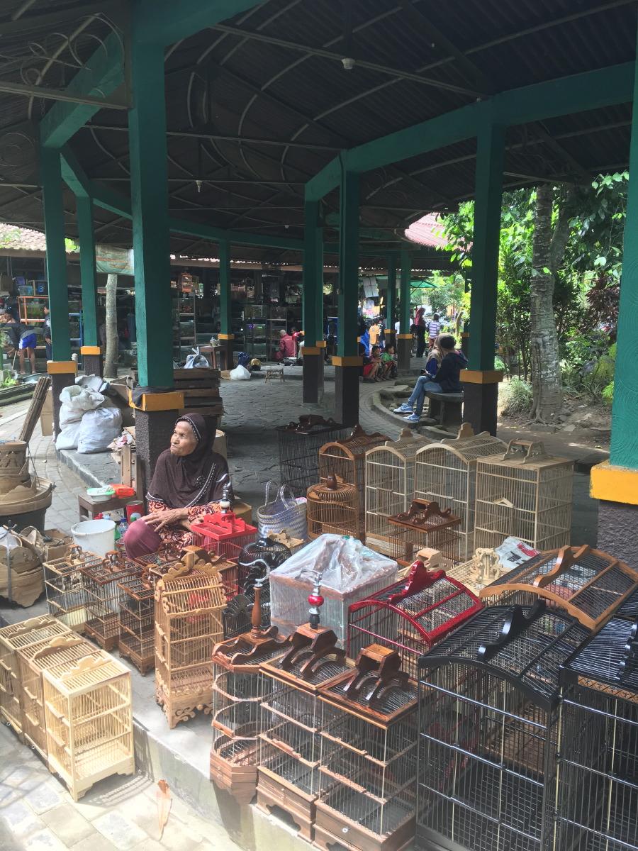 Pasar Burung Ngasem