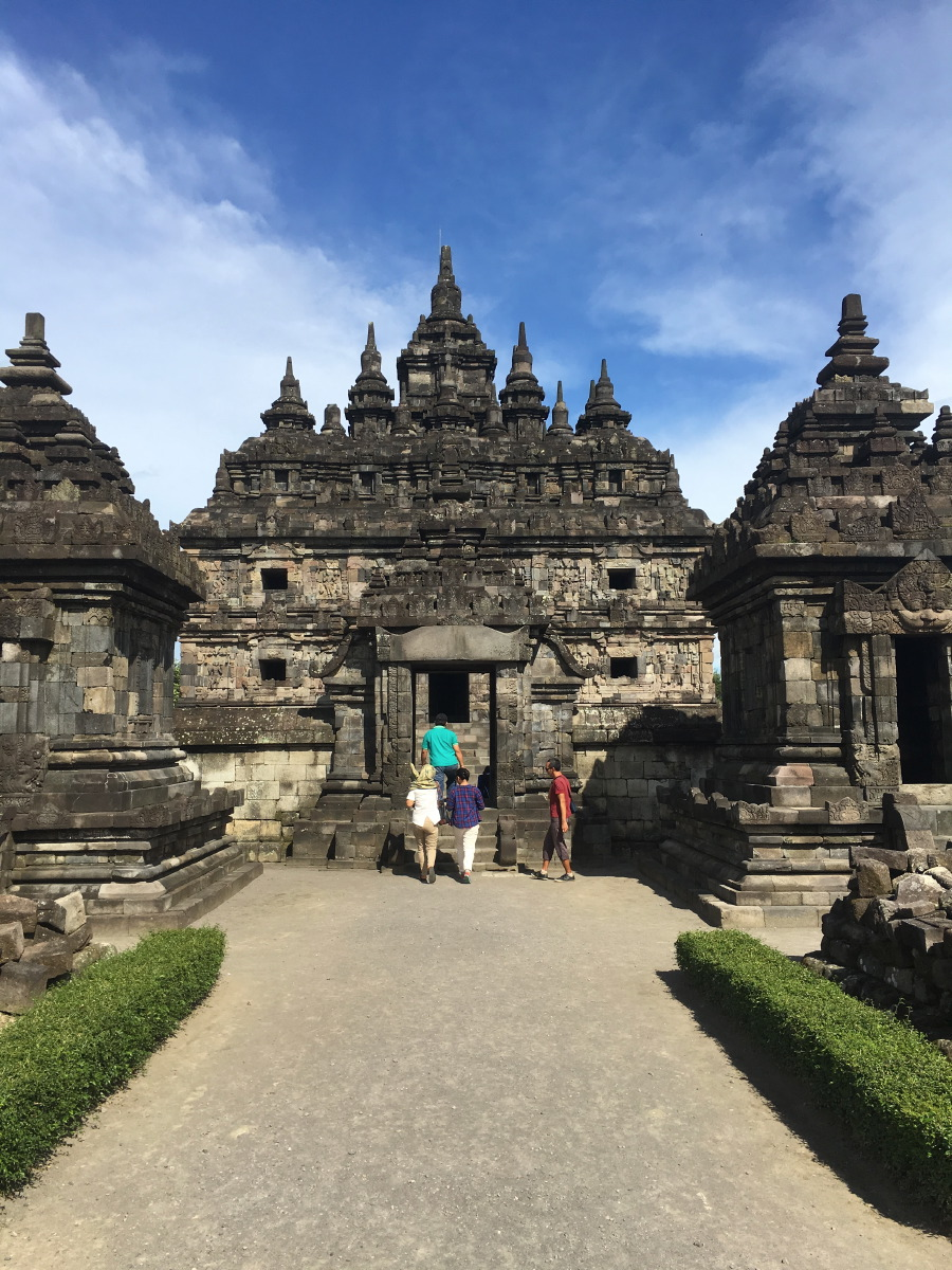 Because it's not so well known among tourists, it is a lot more quiet than the main temple of Prambanan.