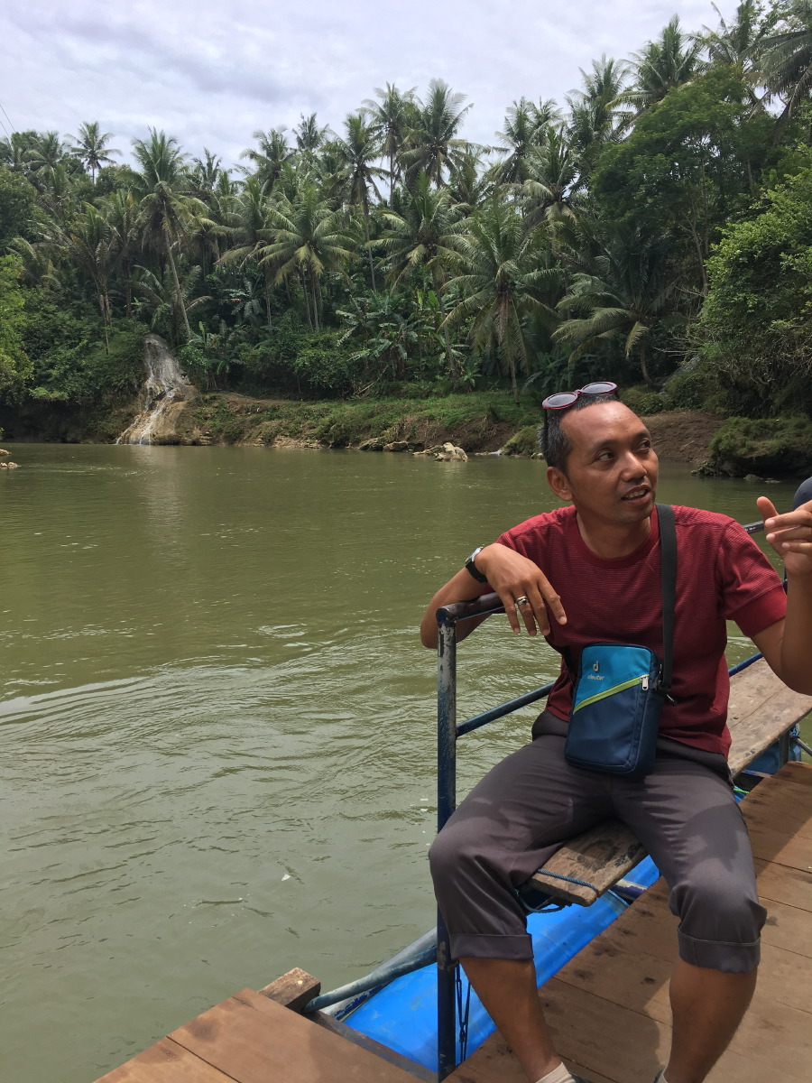 Our guide Jondhil