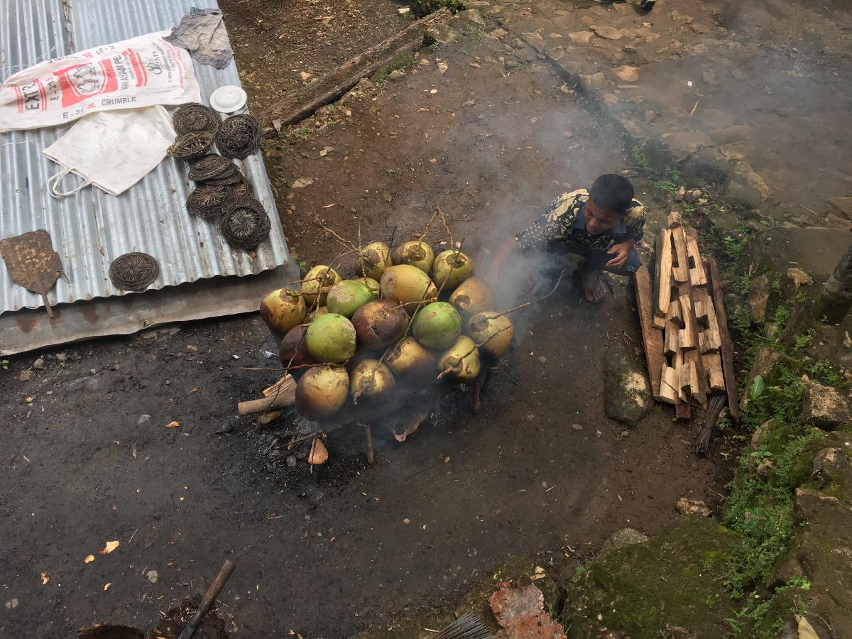 A coconut roaster in Sri Gethuk.