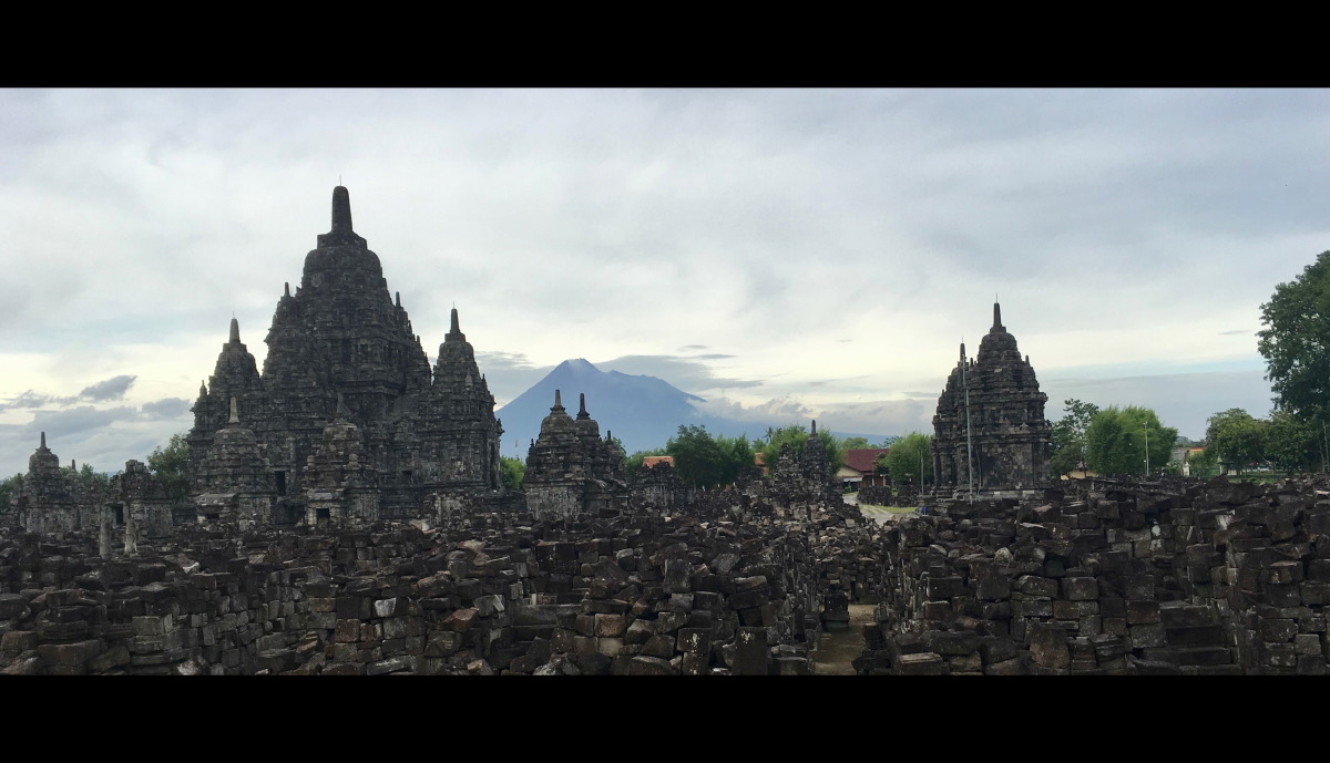Candi Sewu is an eighth century Mahayana Buddhist temple located a mere 800 meters north of the main Candi Prambanan.