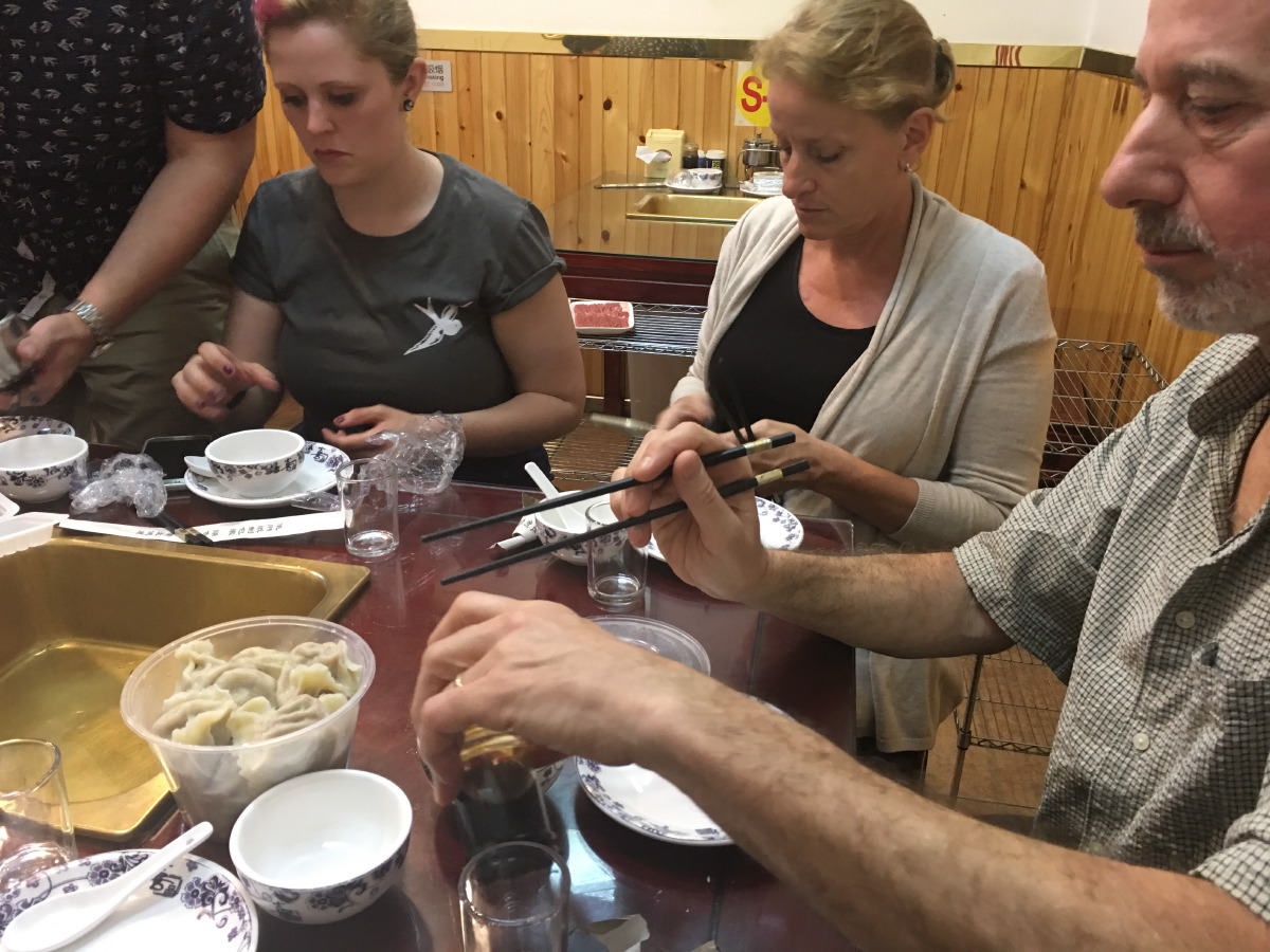 Untour Food Tours takes clients in groups to unknown restaurants. 8 people, 1 guide, 5 restaurants, at least 15 dishes. And a hell of a lot of beer (only 2,5% alcohol, so basically you're drinking premium water).