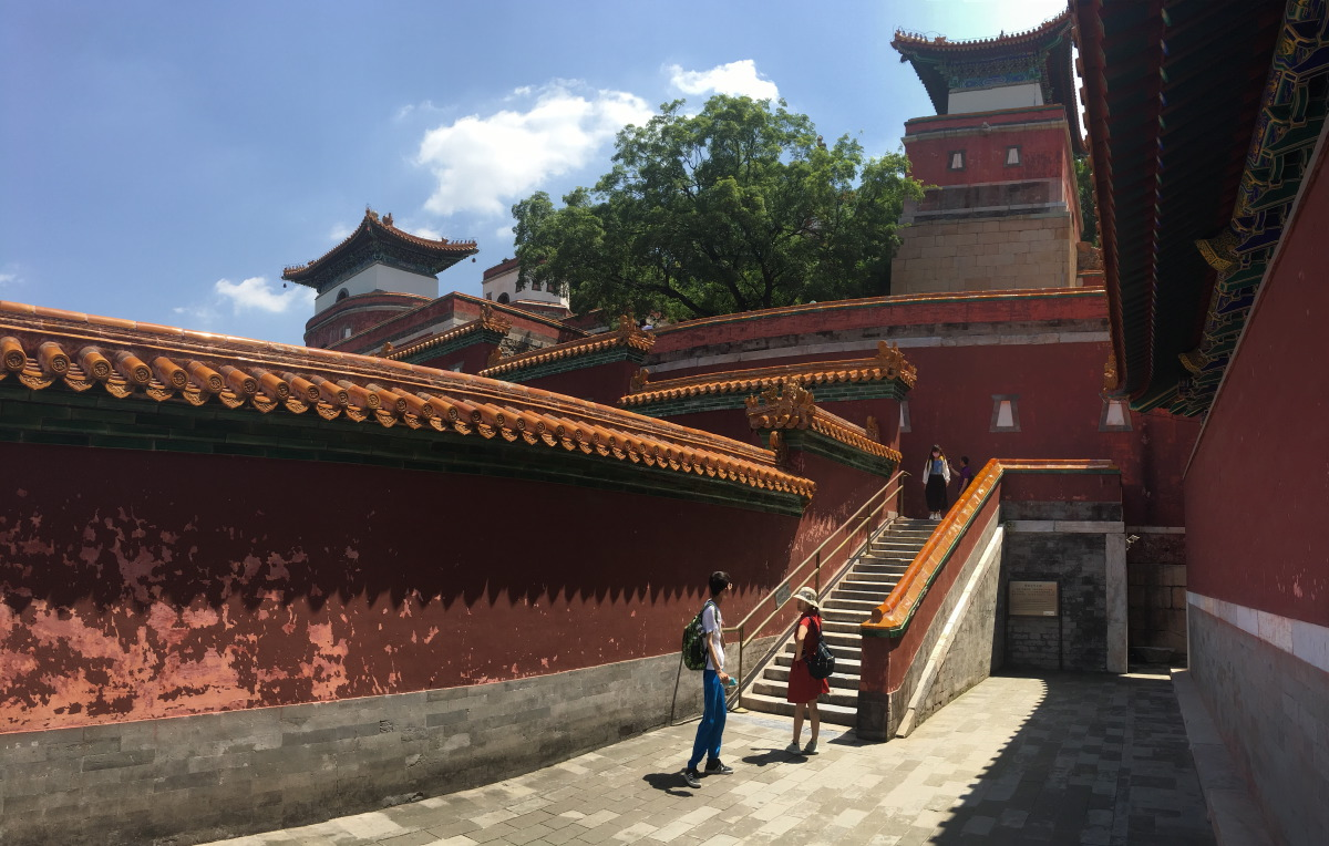 There are so many temples and halls here, we couldn't take it all in.