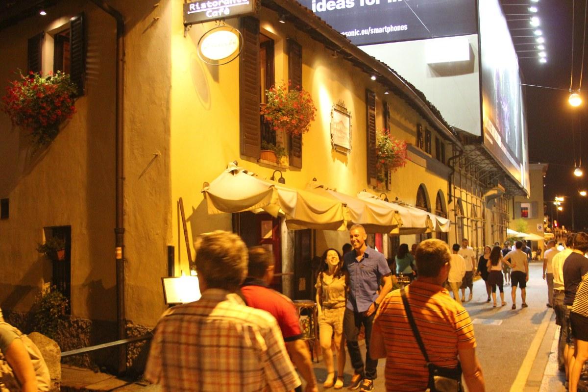 Naviglio Grande at night
