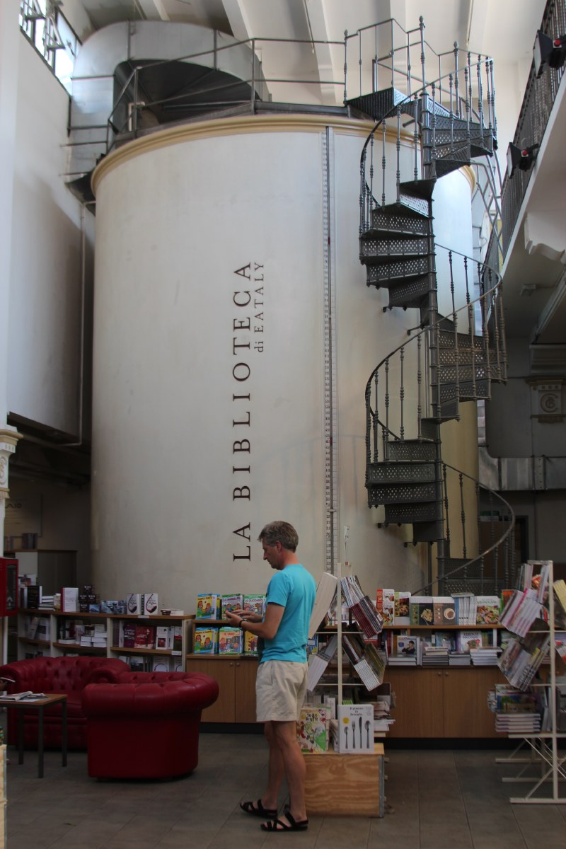 On a slow food discovery tour at Eataly. Top experience!