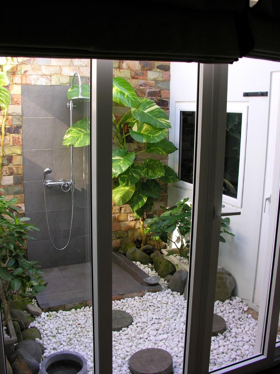 Outdoor patio shower