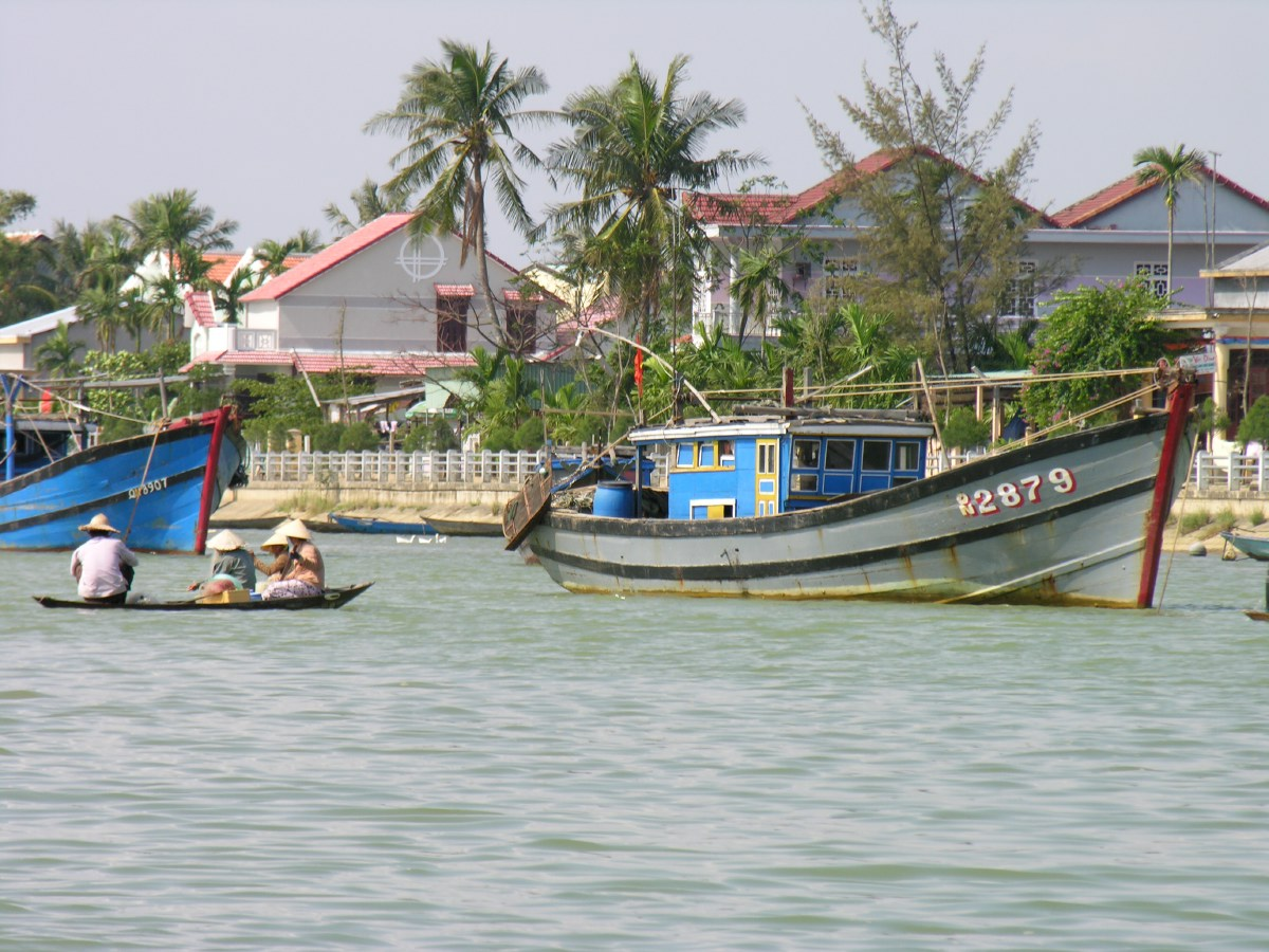 Approach to Hoi An via the river