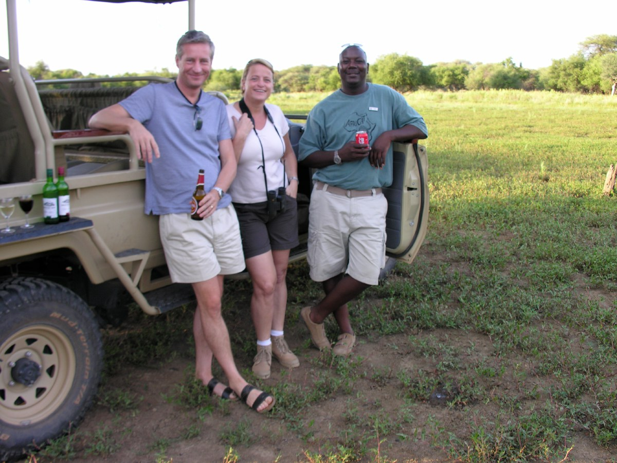 It's a habit to enjoy a drink after a game drive around the time the sun sets. Usually on a spot with beautiful views. This is called a sundowner and we've enjoyed quite a few of these!