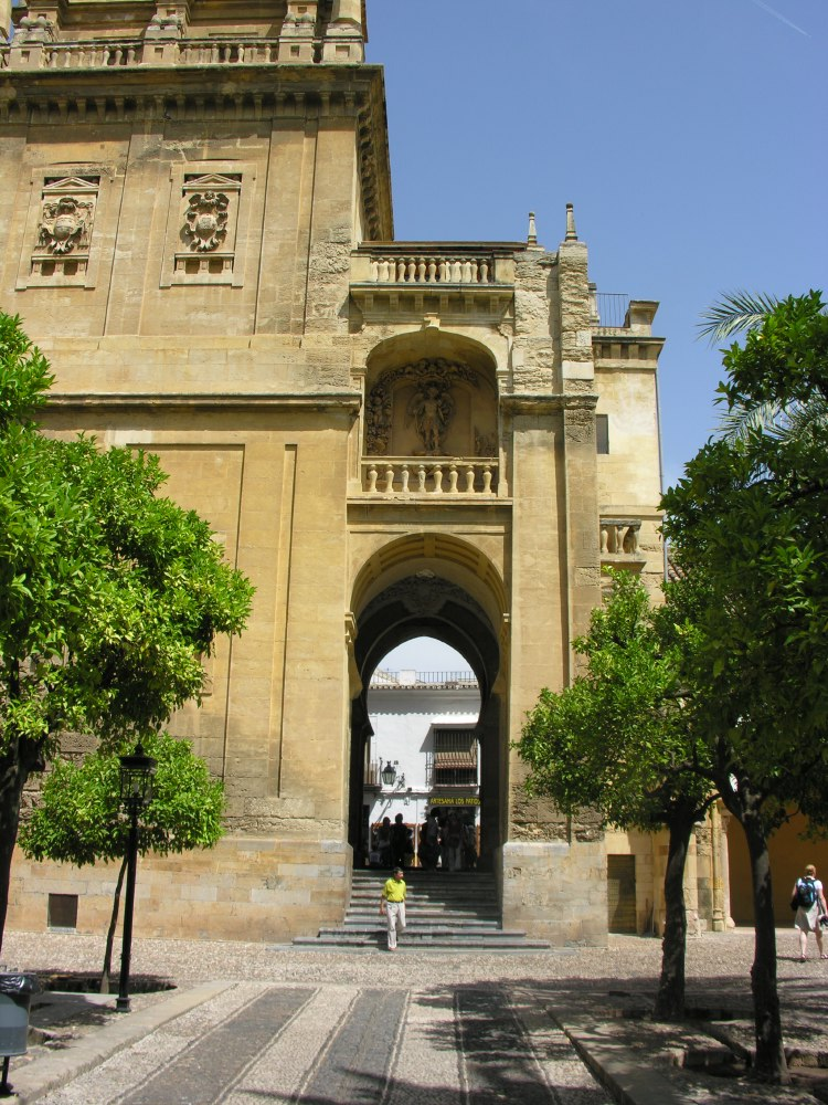 La Puerte del Perdón, built in 1377