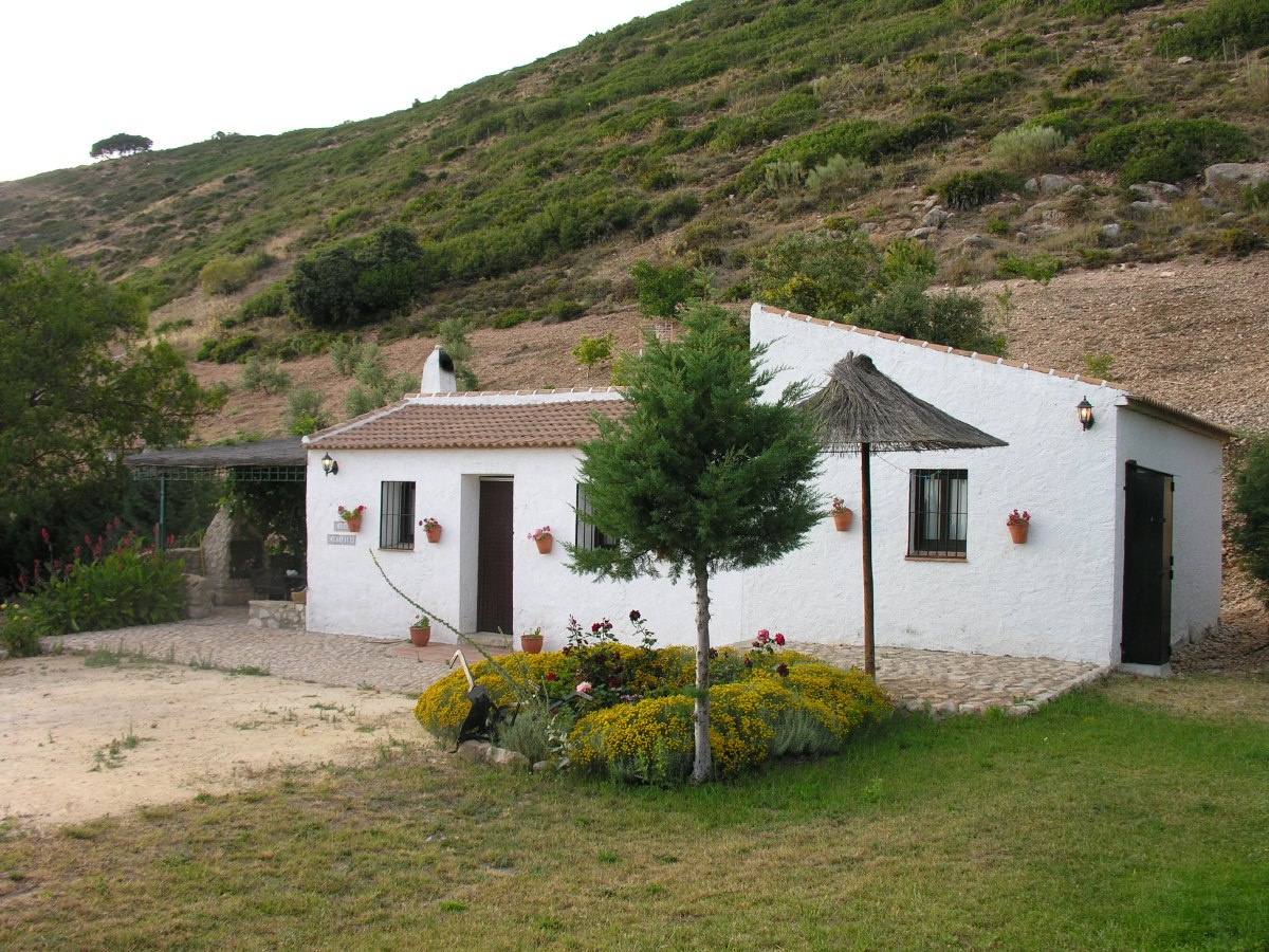 The first week in Andalucía we stayed in this small but pleasant house in the mountains above La Joya, about 15 minutes by car from Antequera.