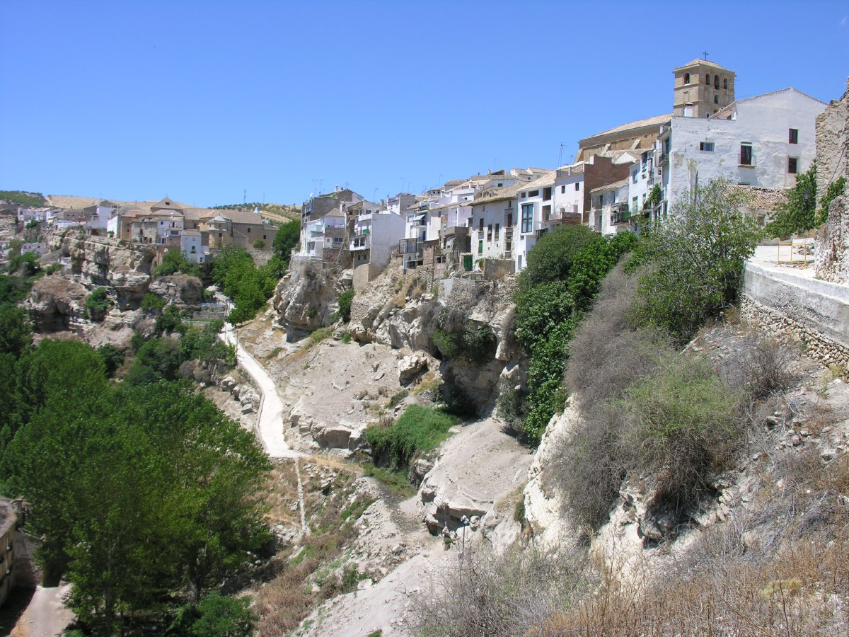 The sleepy and partly derelict town of Alhama de Granada is perched atop a hill overlooking the gorge of the river Alhama.