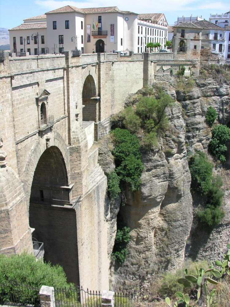 Ronda was first settled by the early Celts, but its Roman and then Moorish rulers are reflected most prominently in its architecture. The forces of Catholic Spain took control of the town in 1485