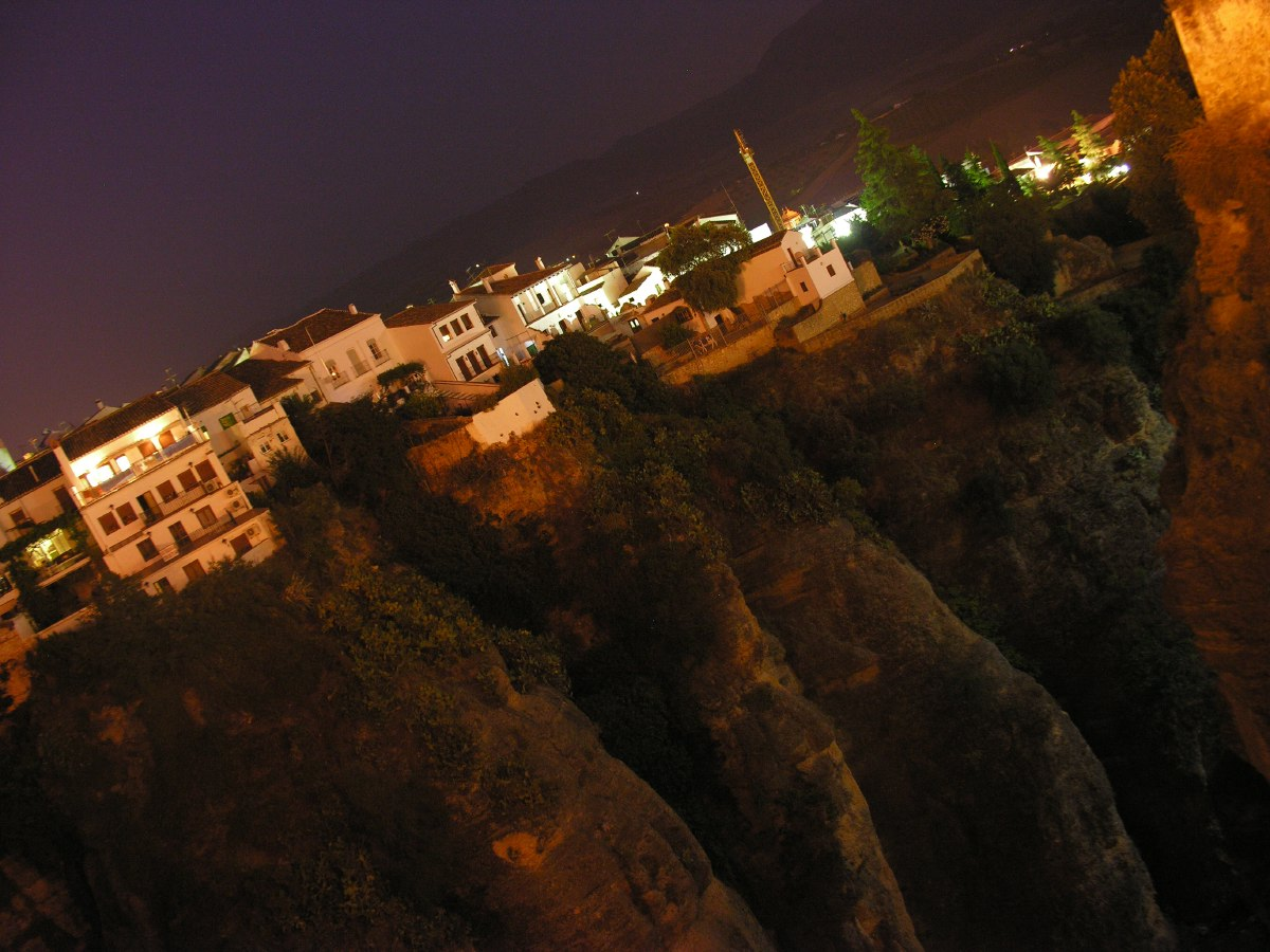 Playing around with the timer settings of our camera to capture the nice atmosphere of Ronda at night
