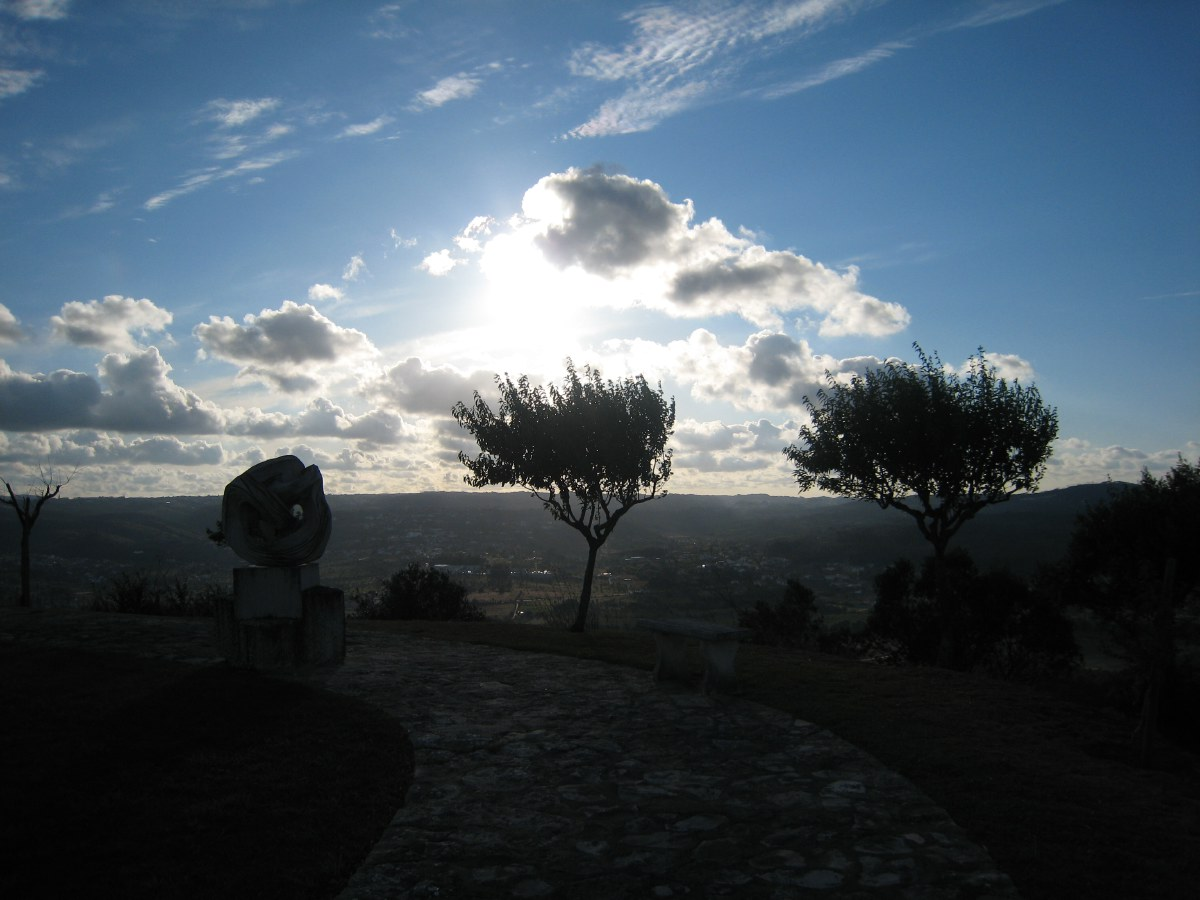 Just above the pousada is this beautiful castelo with wide views of the valley.