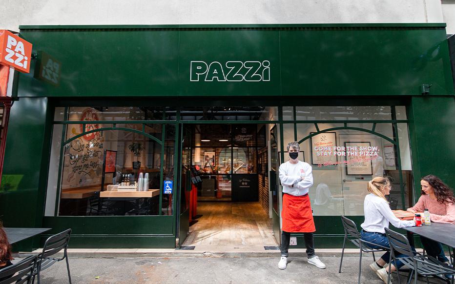 Pazzi, le robot qui prépare des pizzas, s'installe à Paris