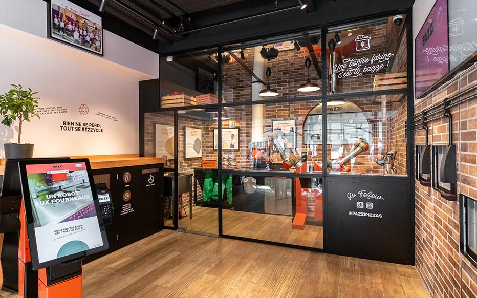 Pazzi ouvre le premier restaurant robotisé au monde à Paris