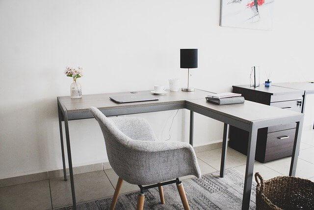 Decoración minimalista para oficina en casa
