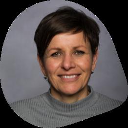 Headshot of international speaker Anne van dam