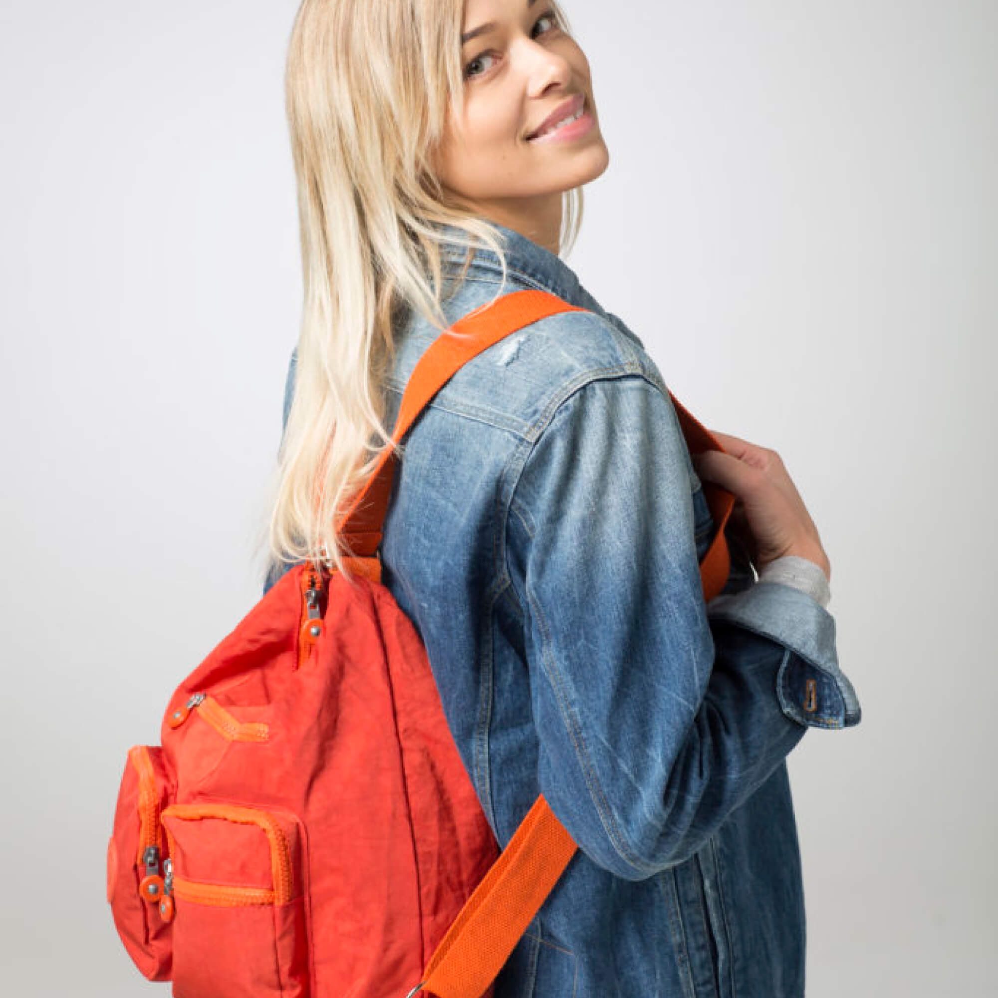 A BergsFlexy bag in orange.