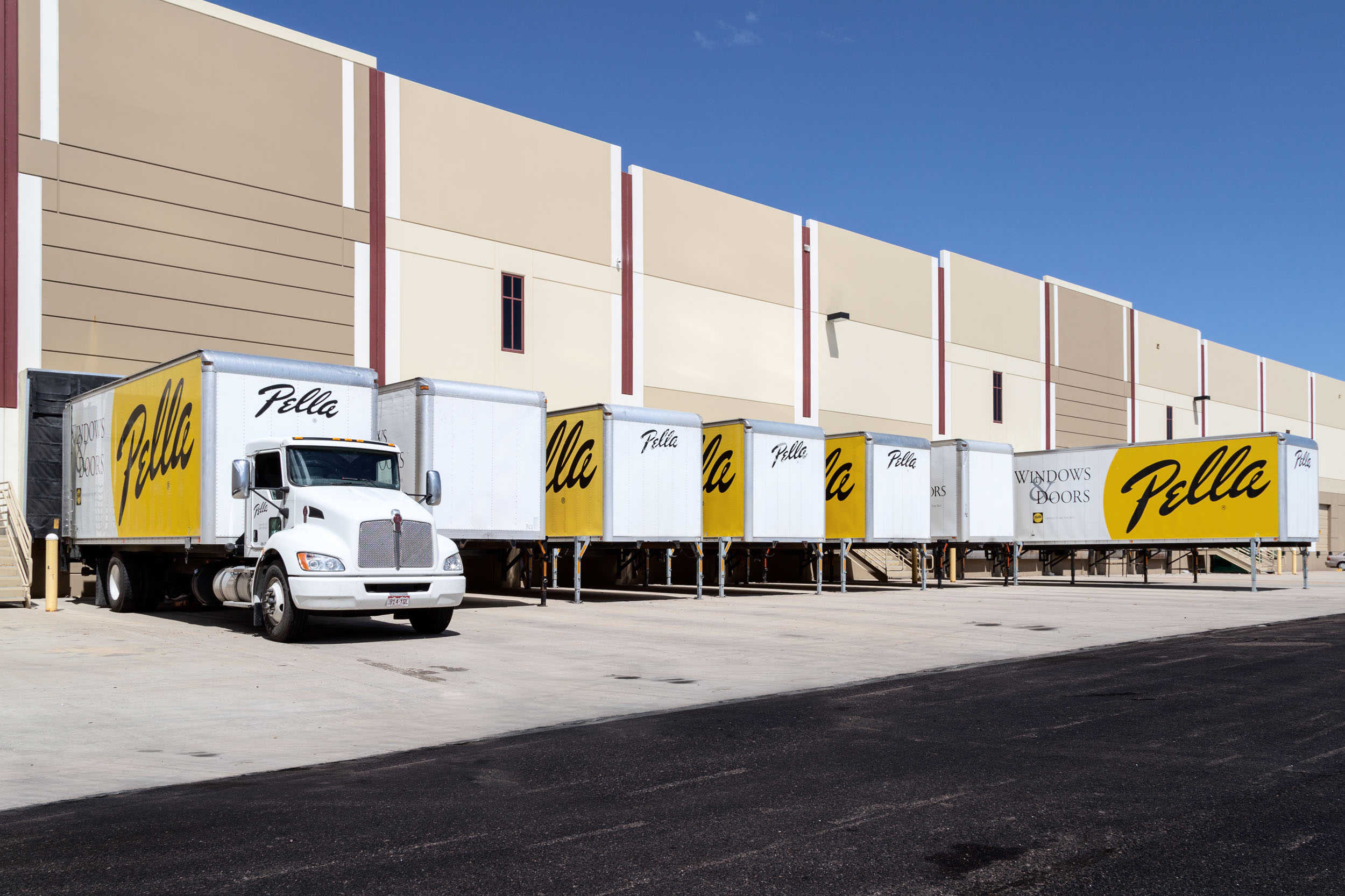 Swap Body Containers standing at a loading dock.