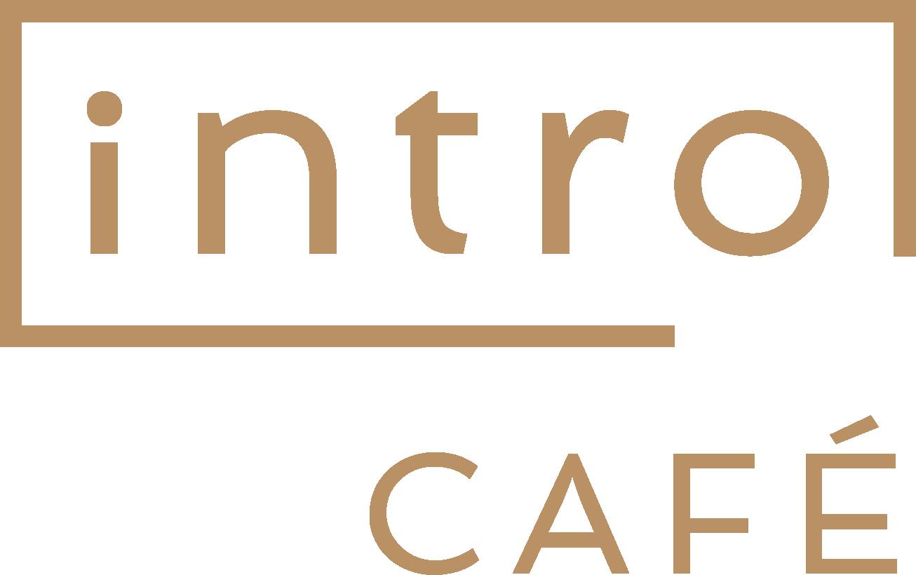 """Unser Logo. Das Wort """"intro"""" in einem unten rechts geöffneten Rechteck, darunter in französischer Schreibweise """"Café"""""""