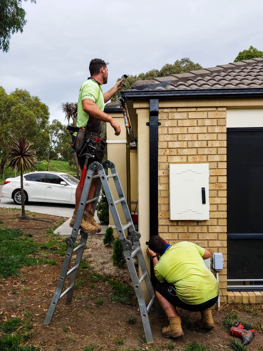 The supreme roof plumbing team at work in the Melbourne suburbs
