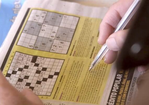 Palavras Cruzadas de Paulo Freixinho no Jornal de Noticias no filme Pára-me de repente o pensamento