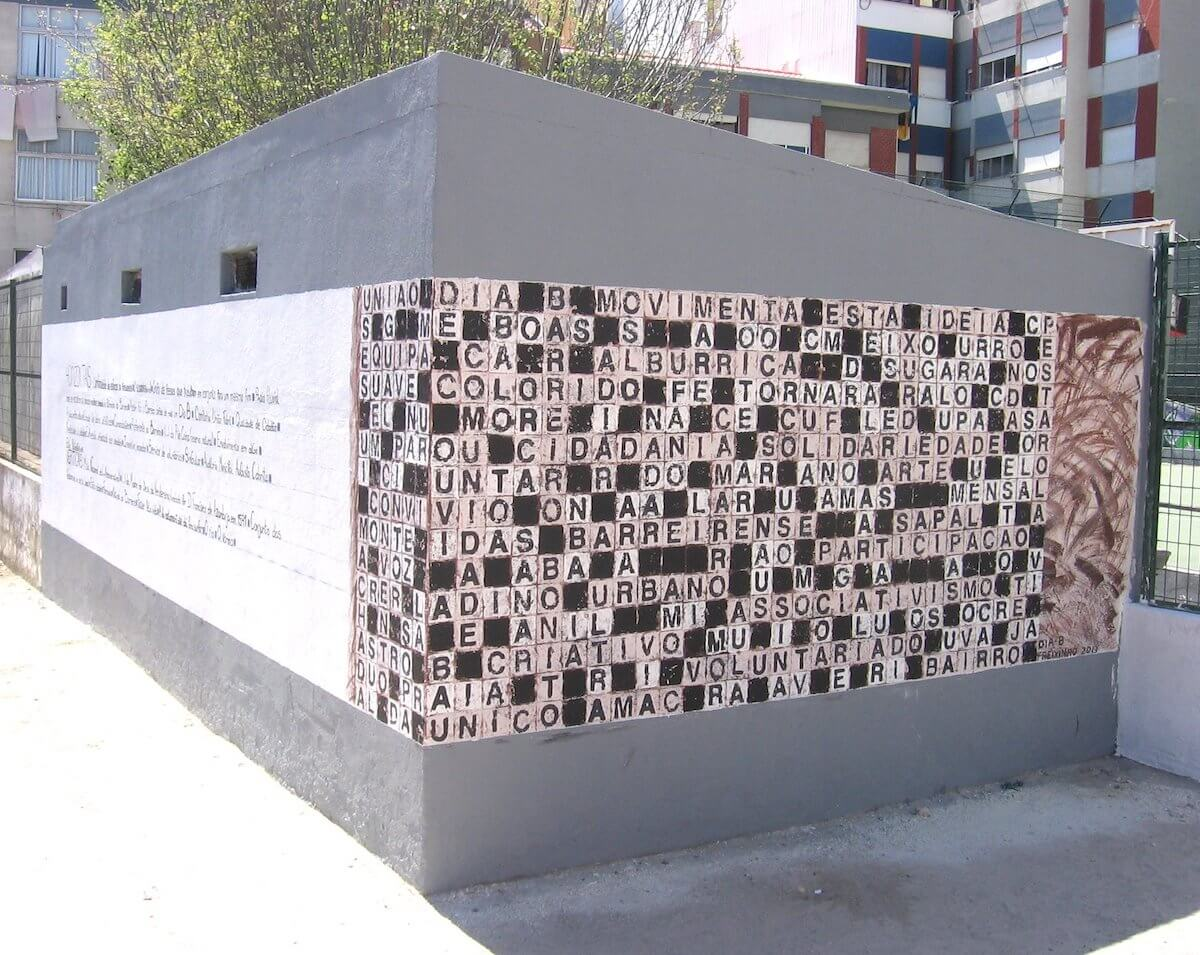 Mural de palavras cruzadas