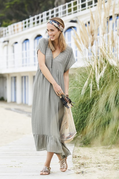 photo mode bord de mer vêtement femme catalogue mode extérieur photo chic mode