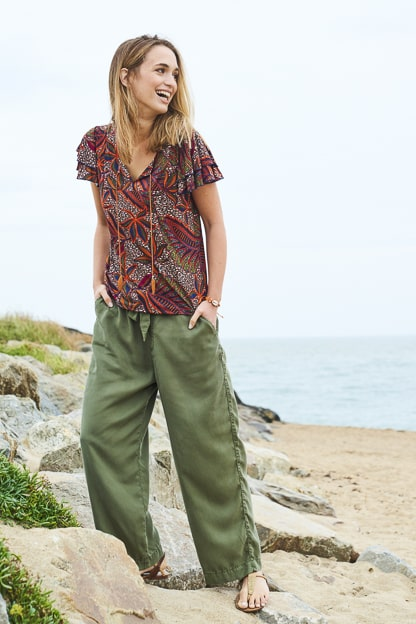 photo mode décontractée bord de mer vêtement femme catalogue mode